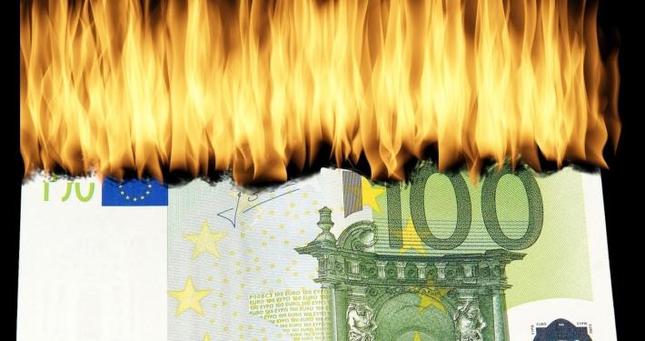 Geld abbrennen